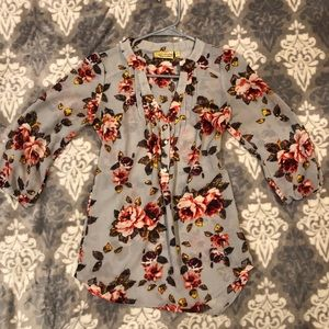 Grey floral 3/4 sleeve blouse
